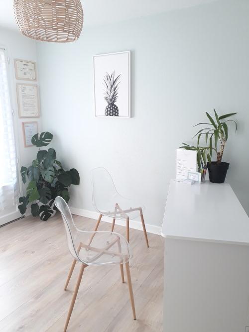 cabinet aurelie humbert naturopathie sophrologie massages aix les bains bureau