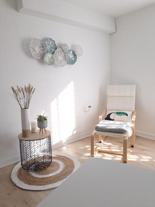 cabinet aurelie humbert naturopathie sophrologie massages aix les bains fauteuil